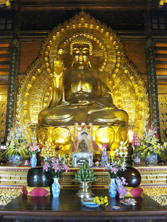 Phật Tổ Như Lai dát vàng tại chùa Bái Đính