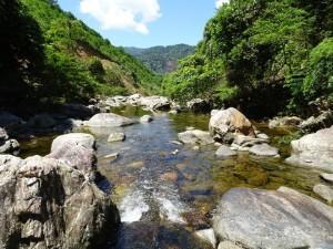 Suối Pâr Le - điểm du lịch hấp dẫn mới lạ tại Huế 1