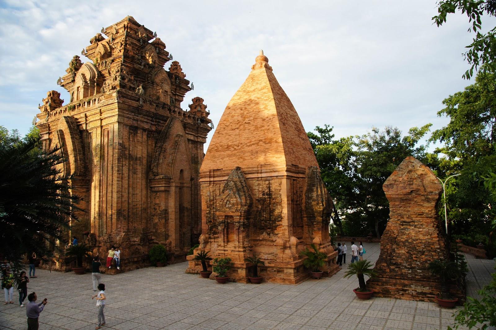 Đến Nha Trang, tham quan khu di tích Tháp Bà Ponagar - Du lịch Netviet  Travel
