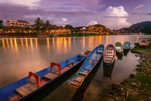 Du lịch Lào ghé thăm thị trấn Vang Vieng thanh bình 1