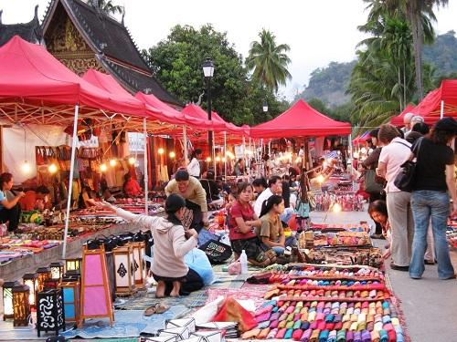 Chợ Vang Viêng